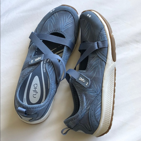 ryka kailee sneaker